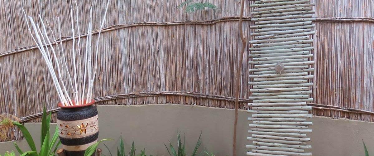 Naara Eco-Lodge Outside Shower